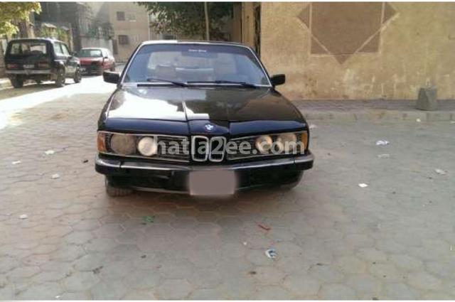 7 Series BMW أسود