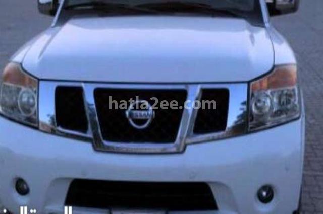 Armada Nissan أبيض