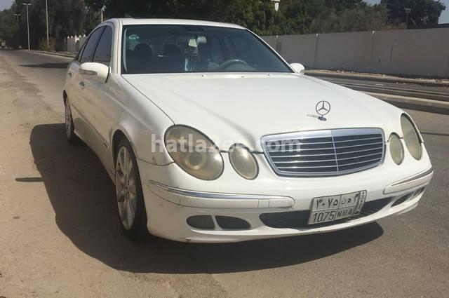 240 Mercedes أبيض