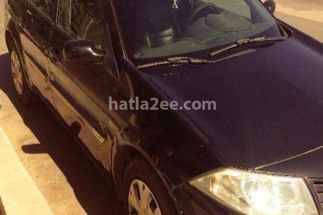 Megane Renault أسود