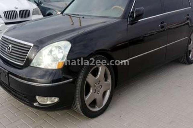 Is Lexus أسود