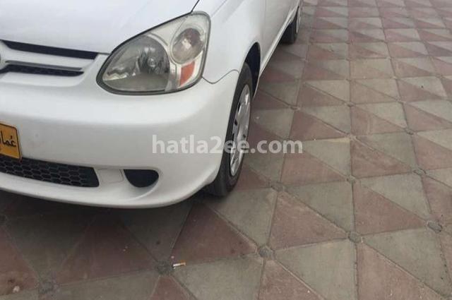 Echo Toyota أبيض