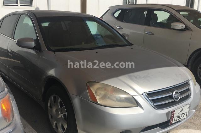 Altima Nissan رمادي