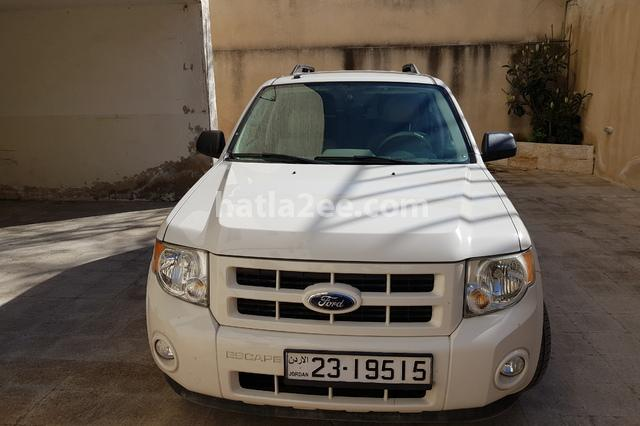 Escape Ford أبيض