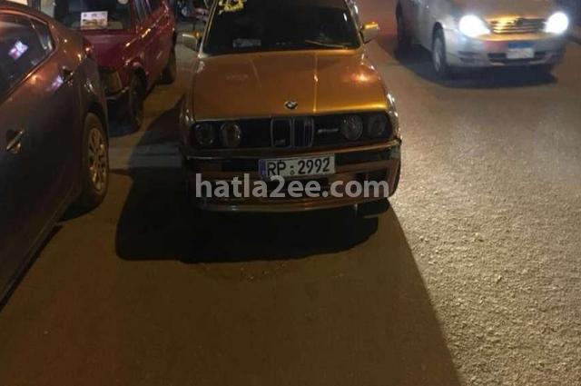 318 BMW ذهبي