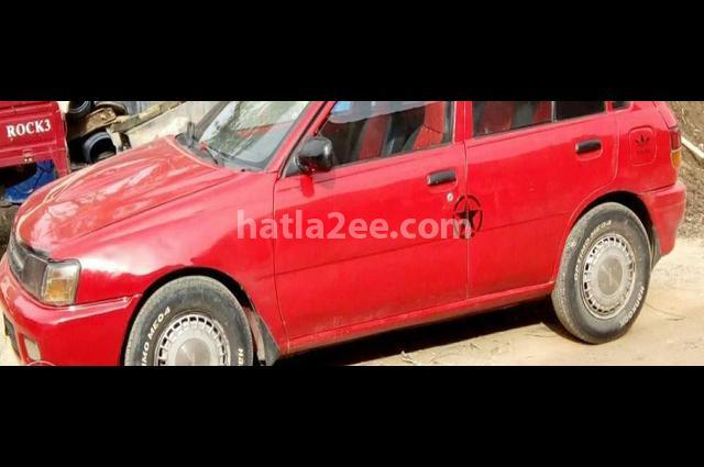 Starlet Toyota احمر
