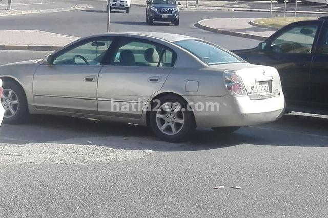 Altima Nissan 2005 Kuwait City Gold 2076897 Car For Sale Hatla2ee