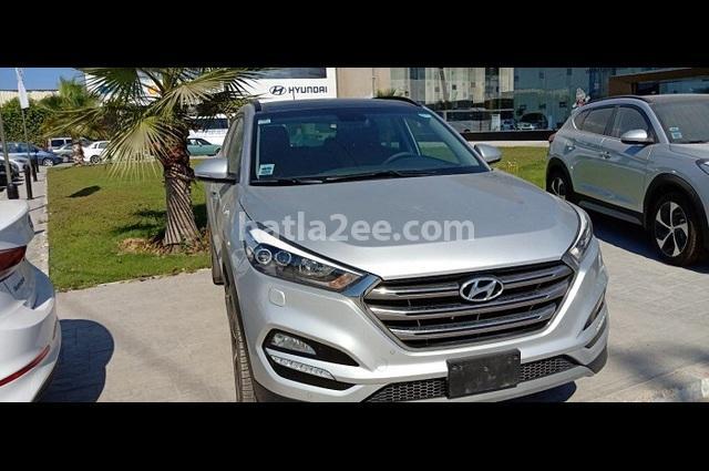 Tucson Hyundai فضي