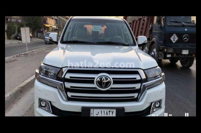 b4f376981d647 Land Cruiser Toyota 2017 Baghdad White 2235624 - Car for sale   Hatla2ee