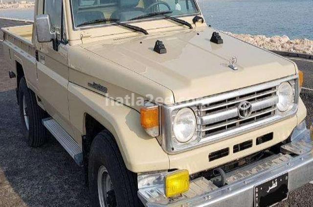 Hilux Toyota بيج