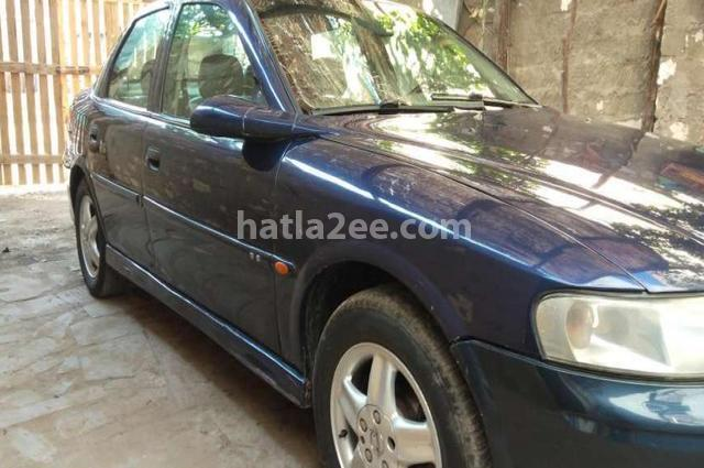 Vectra Opel أزرق