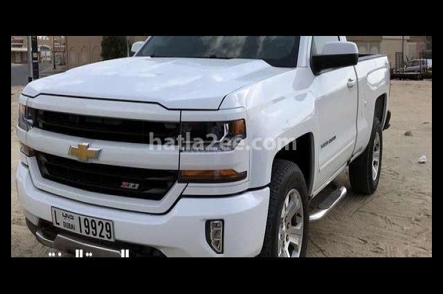 Silverado Chevrolet أبيض