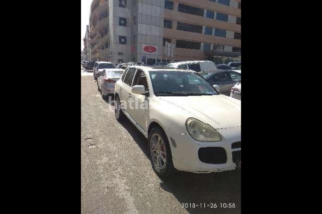 Cayenne Porsche أبيض