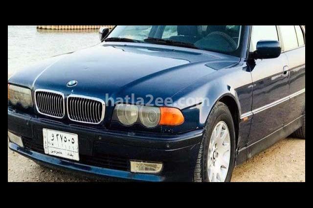 735 BMW الأزرق الداكن