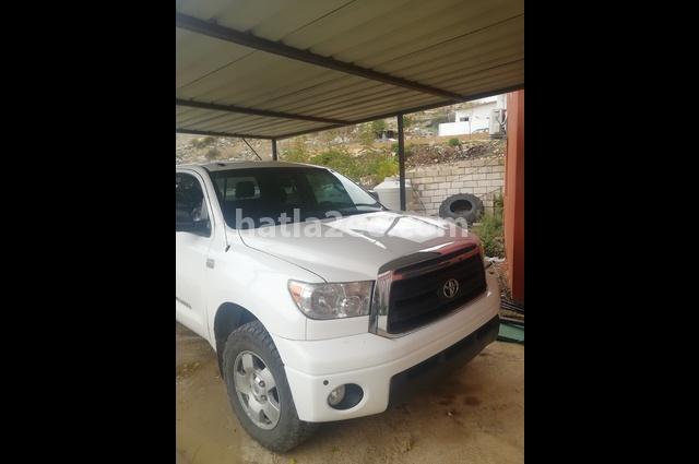 Tundra Toyota White
