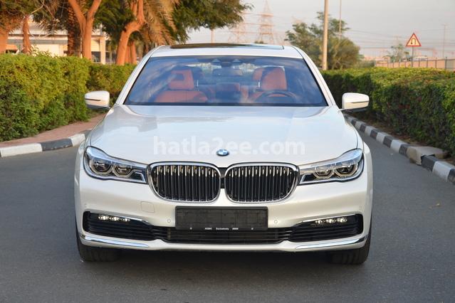 7 Series BMW أبيض