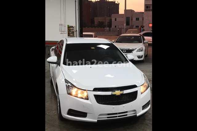 Cruze Chevrolet أبيض