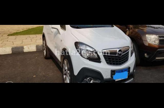 Mokka Opel أبيض