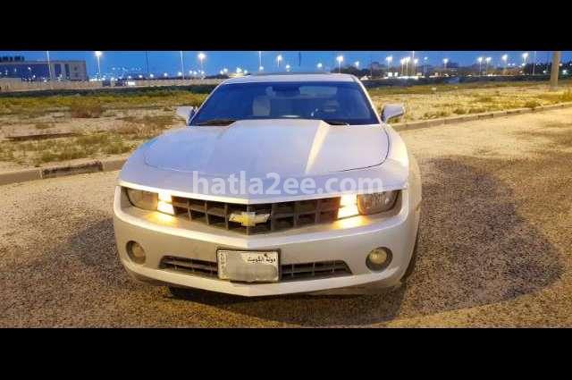 Camaro Chevrolet فضي