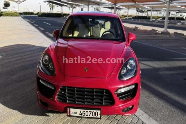 Cayenne Porsche احمر