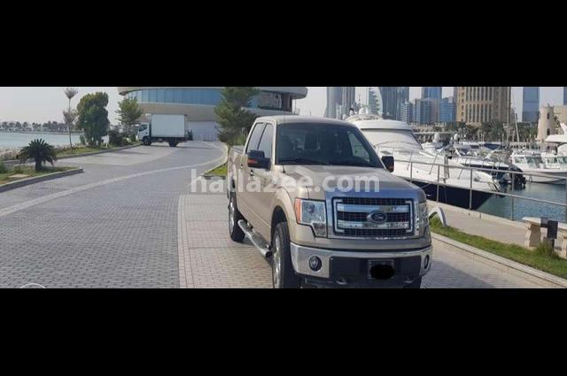 F-150 Ford ذهبي