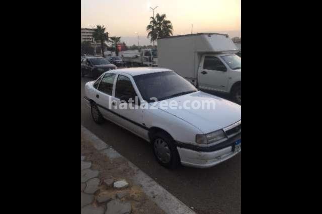 Vectra Opel أبيض