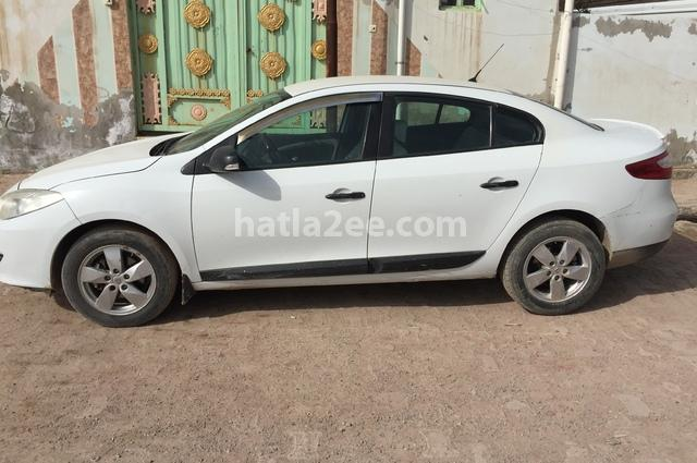 12 Renault أبيض