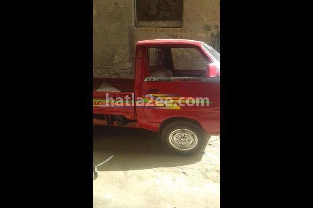 Pickup Suzuki احمر
