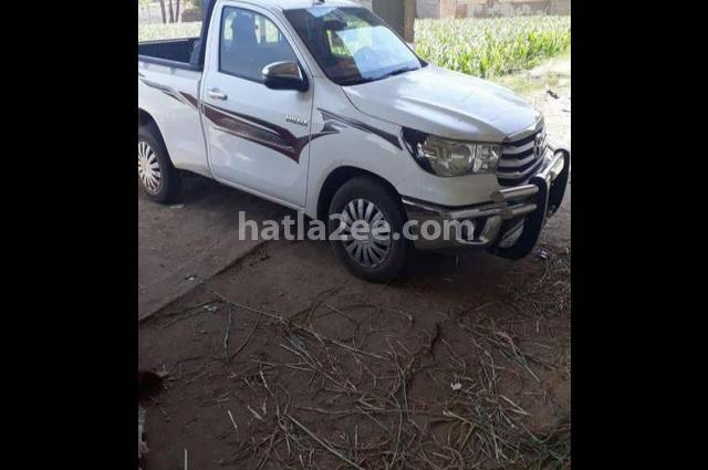 Hilux Toyota 2018 Qena White 2393269 - Car for sale : Hatla2ee