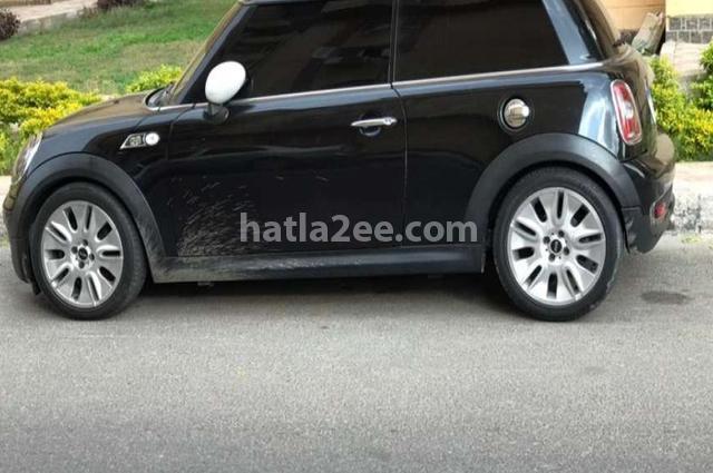 Cooper Mini أسود
