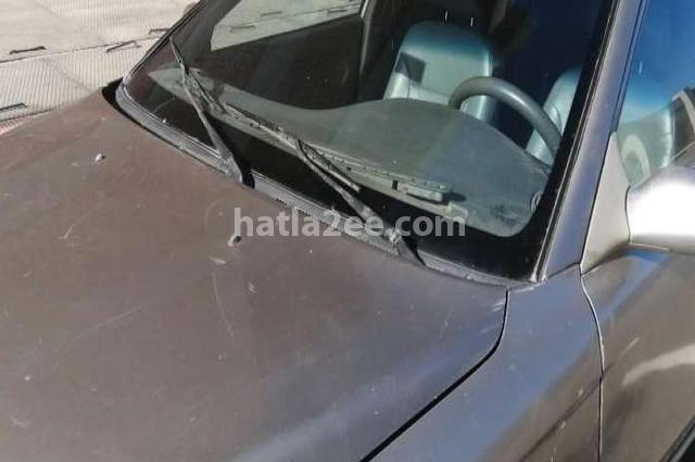 Sephia Kia Silver