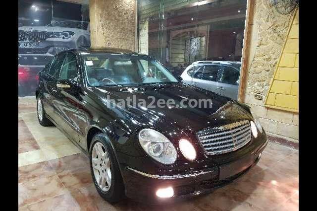 240 Mercedes أسود