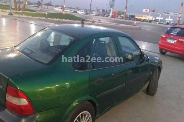 Vectra Opel أخضر