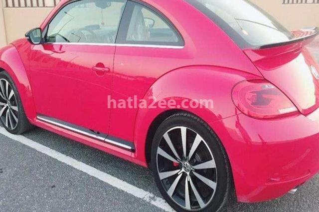 Beetle Volkswagen احمر غامق