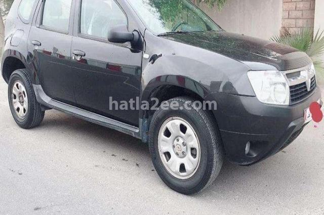 Duster Renault أسود