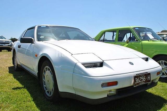 ZX Nissan أبيض