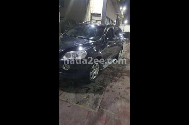 Captiva Chevrolet أسود
