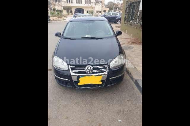 Jetta Volkswagen أسود