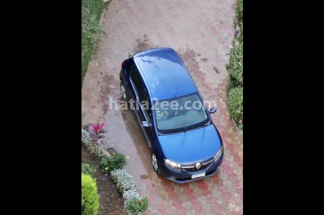 Sandero Renault أزرق