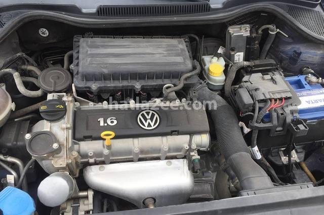 Polo Volkswagen أزرق