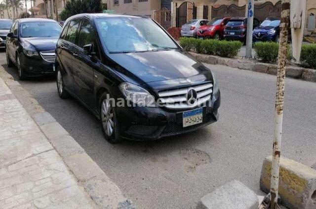 B 200 Mercedes أسود