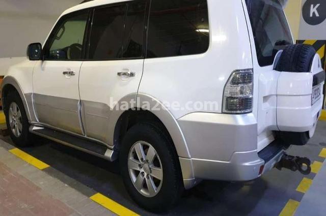 Pajero Mitsubishi أبيض