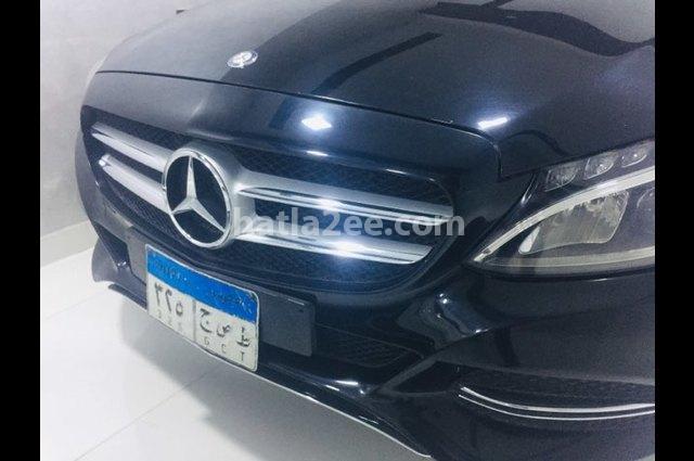 C 180 Mercedes أسود
