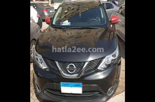 Qashqai Nissan أسود