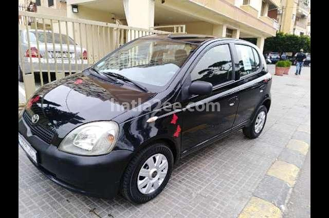 Echo Toyota أسود