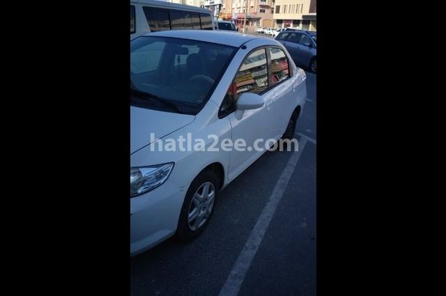 City Honda أبيض