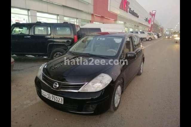 Tiida Nissan أسود