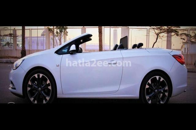 Cascada Opel أبيض