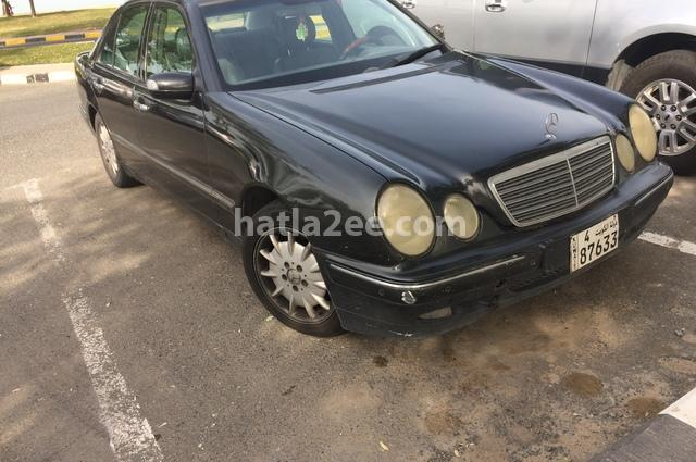 320 Mercedes أسود