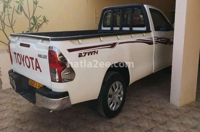 Hilux Toyota 2018 Muscat White 2477021 - Car for sale : Hatla2ee
